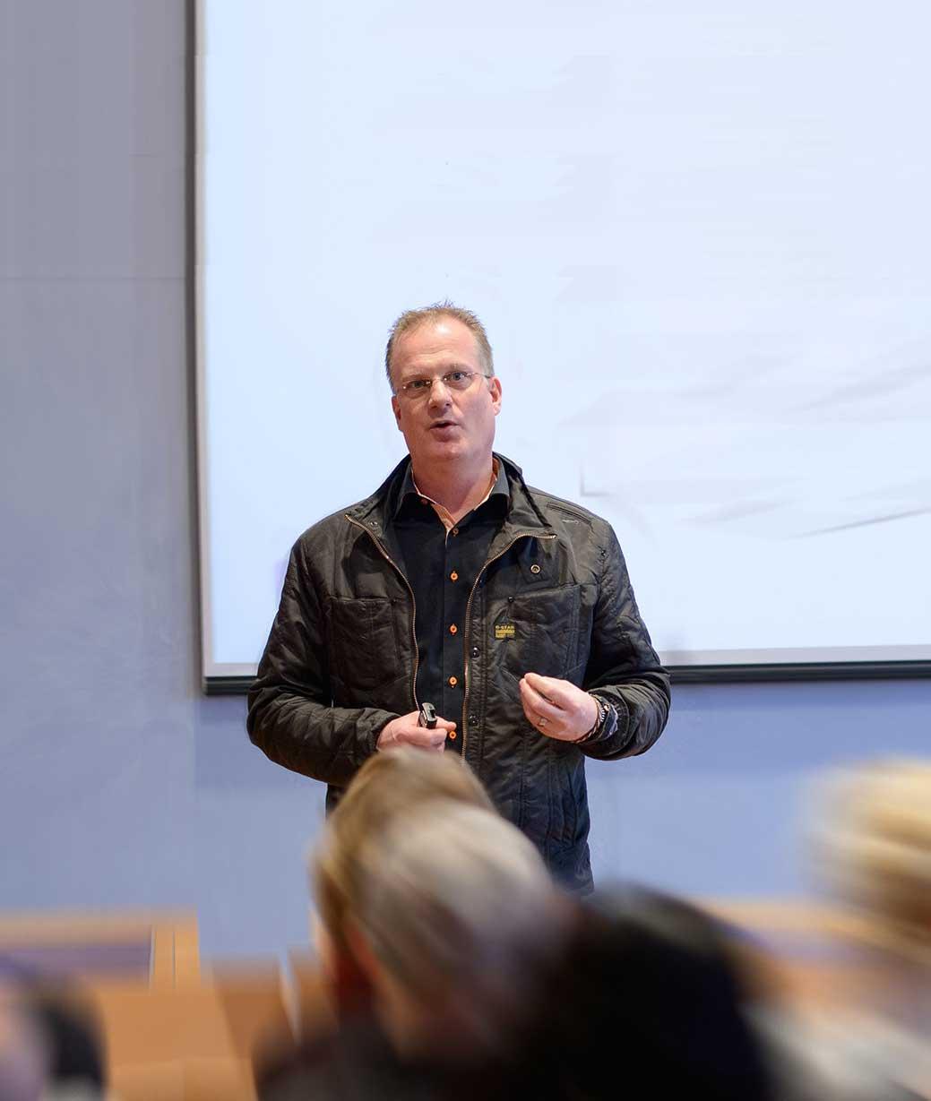 """""""Sell like hell"""" – en föreläsning om försäljning- Hedemora"""